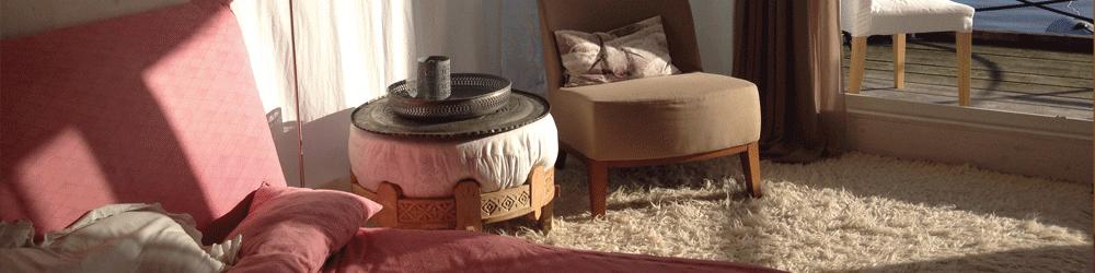 Der Loungebereich an Board lägt zum Entspannen ein.